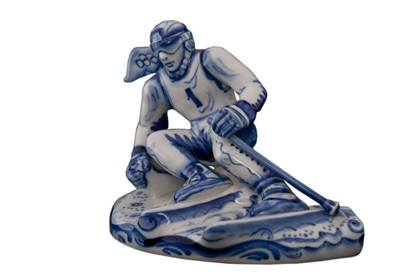 Скульптуркагорнолыжник